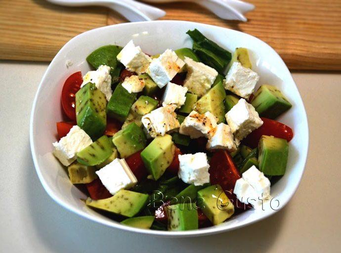 Легкий полезный салат с авокадо и Фетой