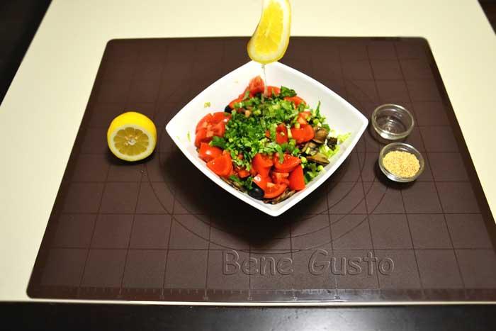 заправляем салат с нутом