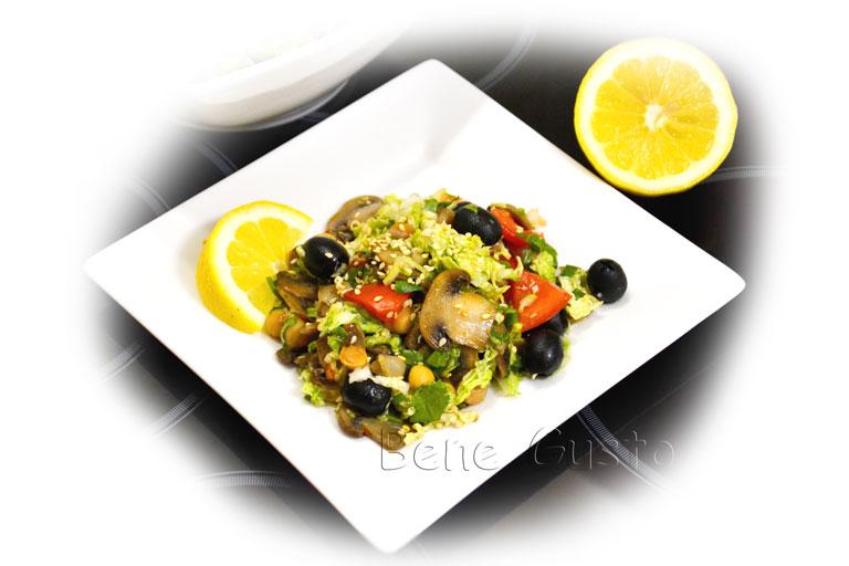 салат с нутом и капустой