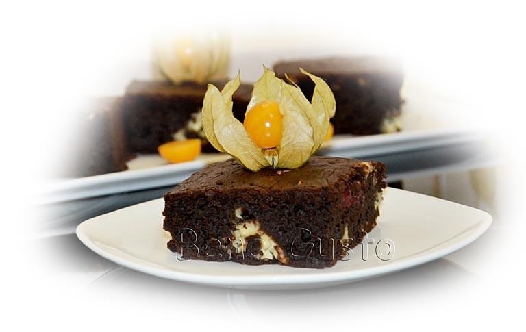 шоколадный торт брауни с вишней