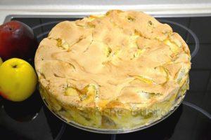 шарлотка з яблуками в духовці
