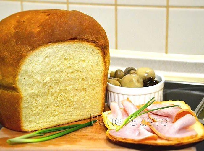 Нежный молочный хлеб в духовке