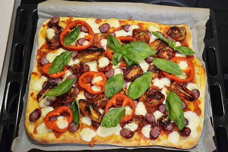 пицца на тонком тесте