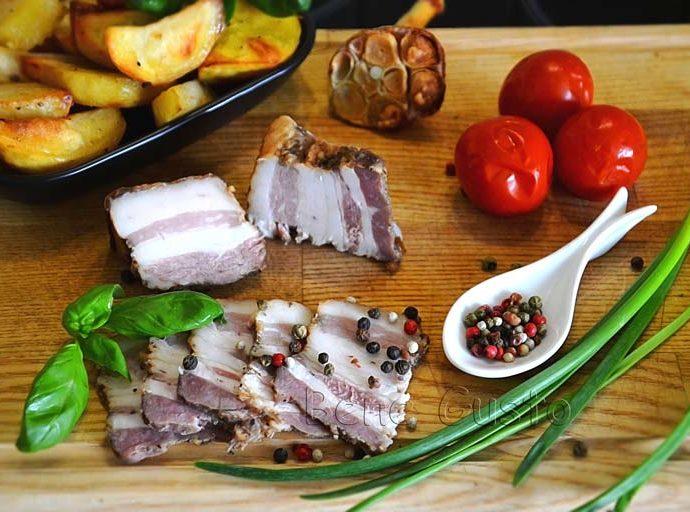 Запеченное сало в духовке по семейному рецепту