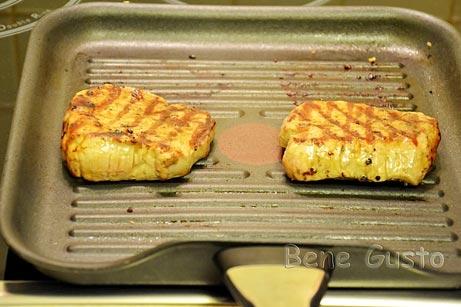 Обжарить на гриле мясо говядины