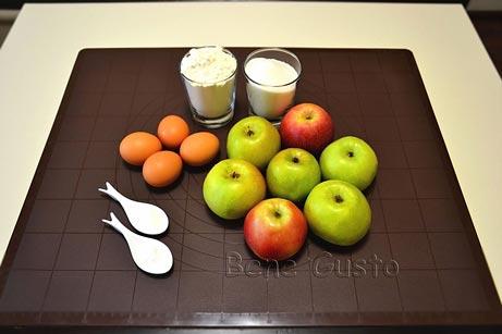 інгредієнти на шарлотку з яблуками