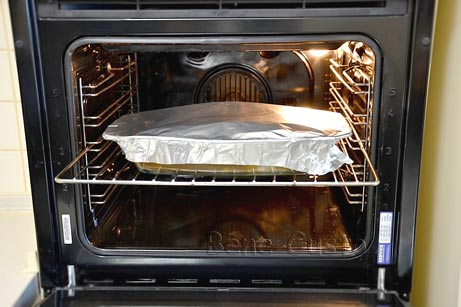 Запекаем сало в духовке под фольгой