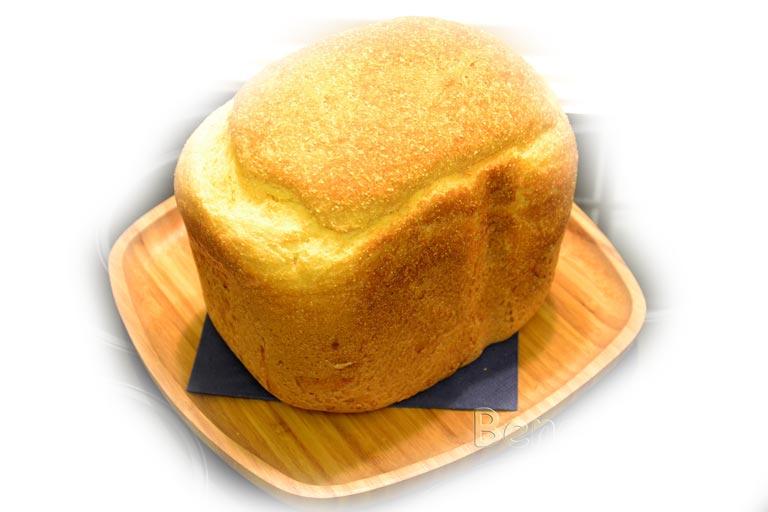 пышный кукурузный хлеб