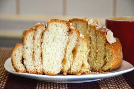 Сінабон - булочка з корицею в розрізі