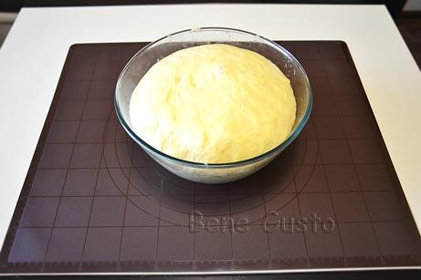 дріжджове тісто для булочок