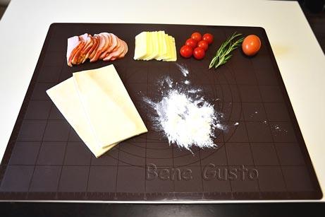 Ингредиенты на слоеные розочки с ветчиной и сыром