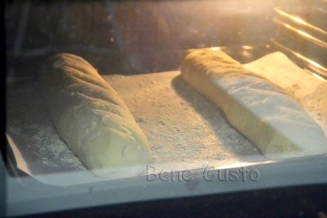 выпекать французский багет в духовке 25-30 минут при 230 градусов