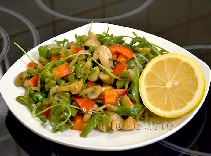 Салат с грибами и спаржей