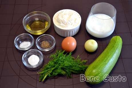 Ингредиенты на оладьи из кабачков на кефире