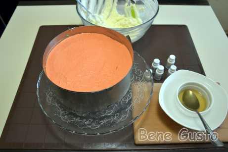 Оранжевый цвет получаем, смешивая желтый и красный.