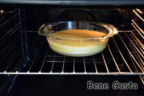 Выпекать омлет 30-40 минут при 180°C