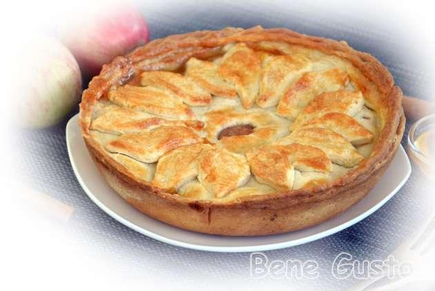Яблучний пиріг з пісочного тіста