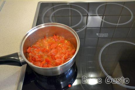 Пассеруем овощи на растительном масле и перебиваем блендером.