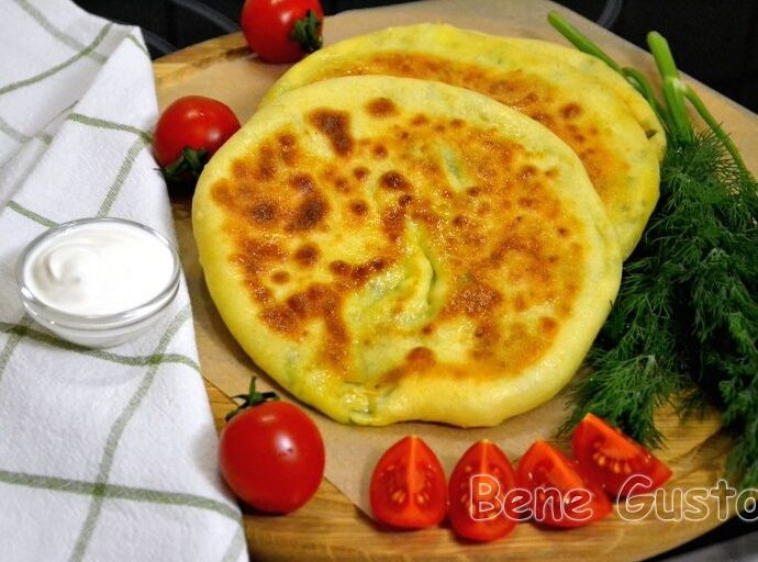 Быстрые  хачапури с сыром на сковороде