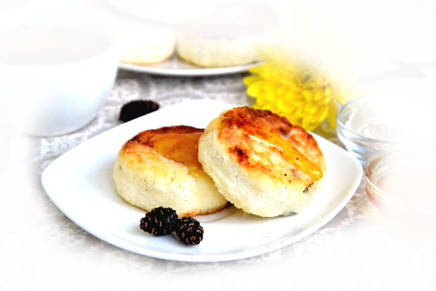 Рецепт вкусных сырников без манки