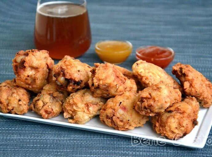 Хрустящие куриные крылышки в стиле KFC