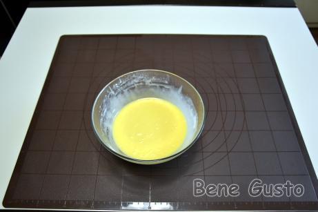По консистенции тесто на вафли получается, как на оладьи.