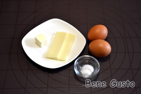 Ингредиенты на пышный омлет без молока