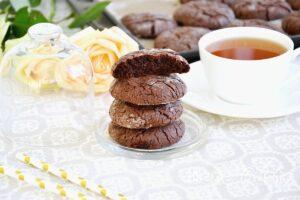 Шоколадне печиво з тріщинами