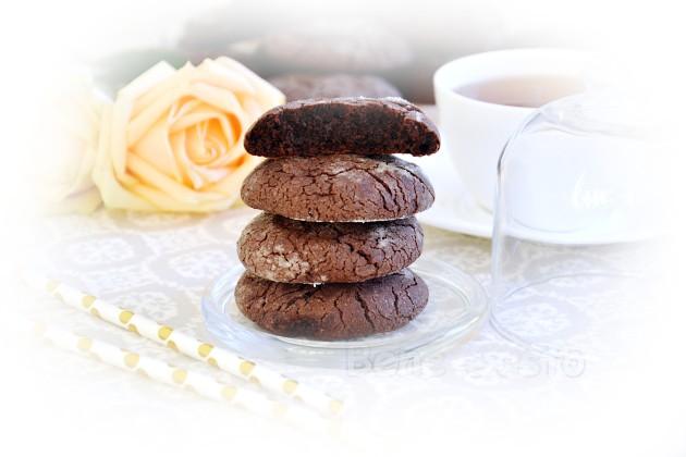 Мягкое шоколадное печенье брауни