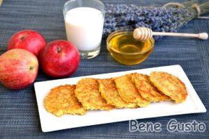 Яблучні оладки без кефіру та молока