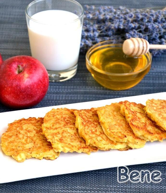 Яблочные оладьи без кефира и молока