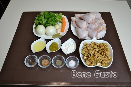 Ингредиенты на сациви с курицей